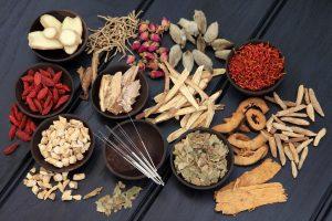 alternatif tıp ürünleri, akupunktur, hipertermi, homeopati, zerdeçal, kurkumin, köpek balığı kıkırdağı, yoga